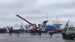 Видео эвакуации: Наборту судна под Петербургом вмомент ЧПнаходилось 80 человек
