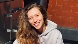Регина Тодоренко щегольнула белыми трусами напляже вДубае