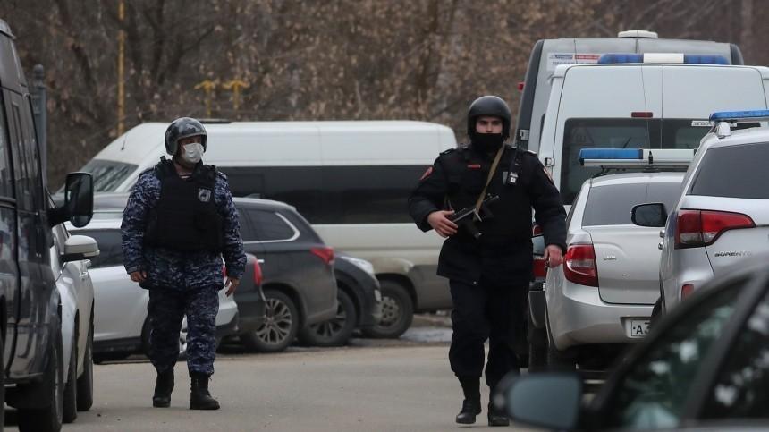 Фото: целый арсенал оружия нашли вдоме стрелка изПодмосковья