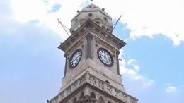 Сирийские инженеры починили уникальные башенные часы вАлеппо