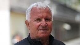 Борящегося сраком заслуженного тренера СССР иРФЗагорулько госпитализировали сCOVID-19
