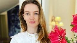 «Обэтом важно говорить»: Водянова поделилась редкими фото стяжелобольной сестрой