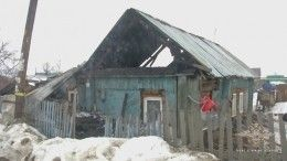 Полицейские-герои вытащили изгорящего дома под Новосибирском четырех детей