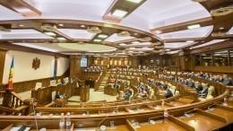 Изнасиловали вшестером: вМолдавии бизнесмены жестоко отомстили депутату