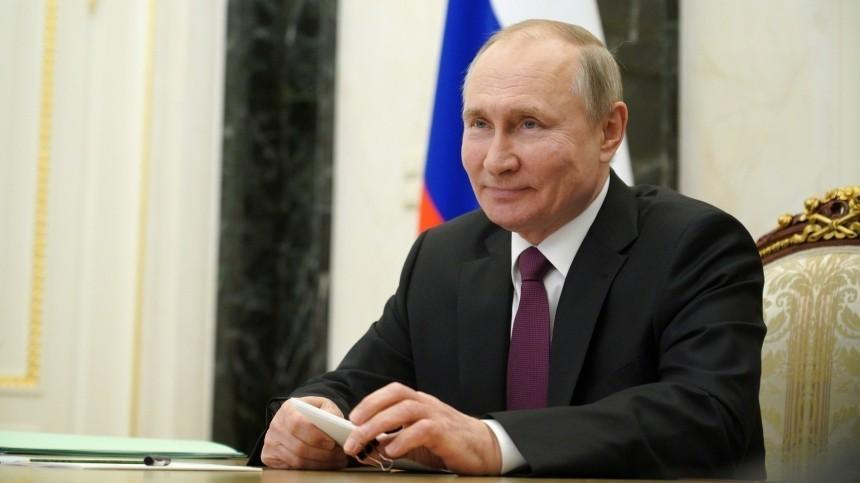 Путин подписал закон опрезидентских сроках