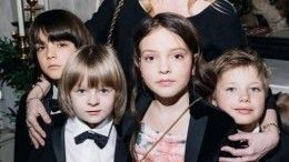 Как российские знаменитости воспитывают своих детей?