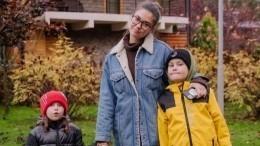Виноваты дети: одинокой Муцениеце потребовалась помощь психолога