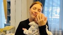 Наталья Подольская впервые показала лицо младшего сына— видео