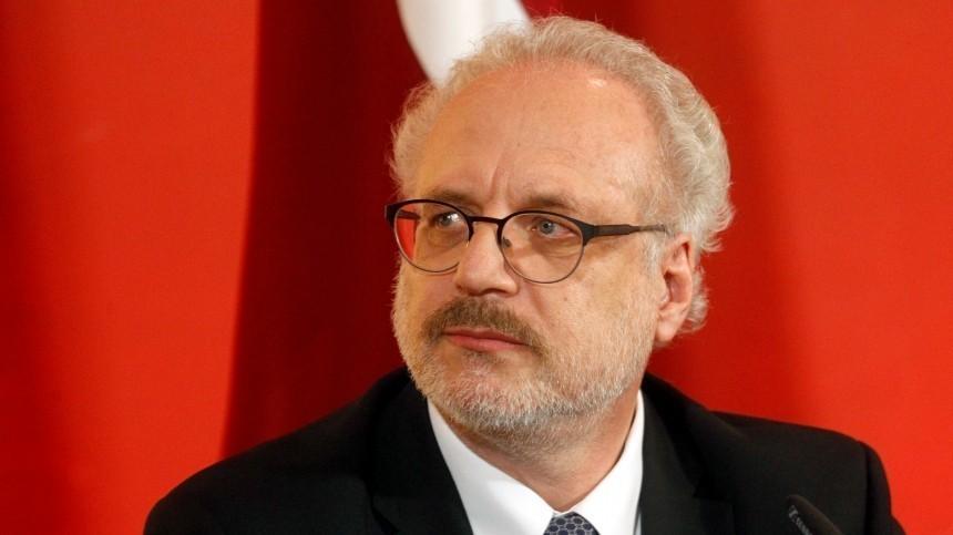 Президент Латвии попал вДТП