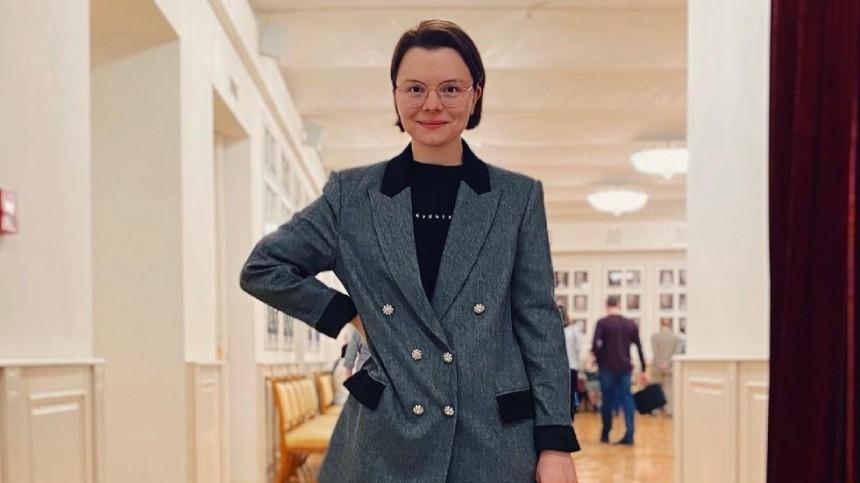«Неадыкватыши»: Брухунова возмутилась вопросу околичестве вещей веегардеробе
