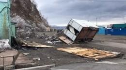 Последствия урагана ликвидируют наКамчатке