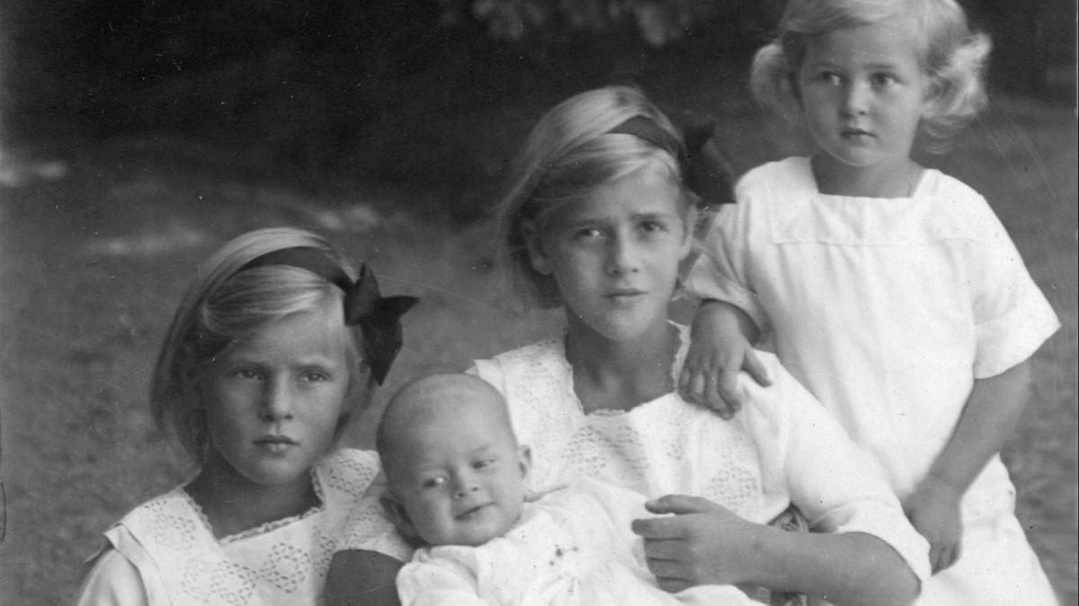 Сестры были женами нацистов