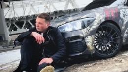 Бил собирает пять миллионов для пострадавшей вДТП, хотя его машины стоят больше