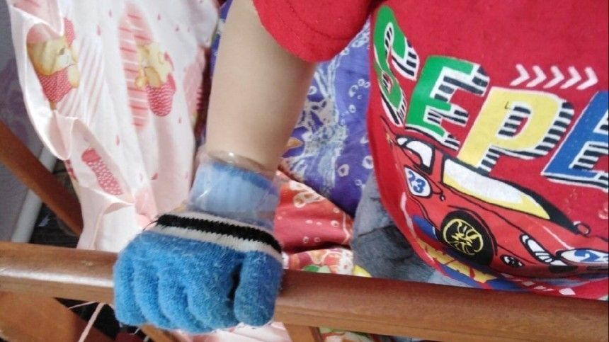 Мачеха жестоко избила ребенка под Томском за«плохую» уборку вдоме— видео