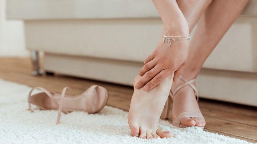 Какие опасные заболевания предвещает сухая ипотрескавшаяся кожа напятках?