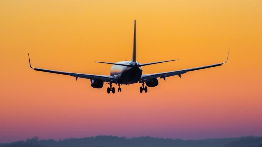 Как проходила аварийная посадка вылетевшего вПетербург изСочи самолета?