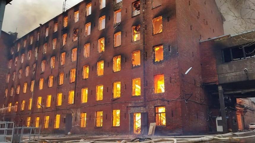Тело погибшего нашли наместе пожара в«Невской мануфактуре»