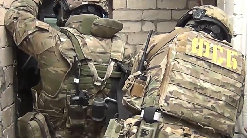 Видео задержания мужчины, захватившего заложников вмагазине Владикавказа
