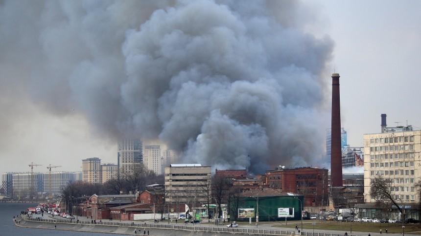 Пожар на«Невской мануфактуре» вПетербурге мог начаться из-за поджога