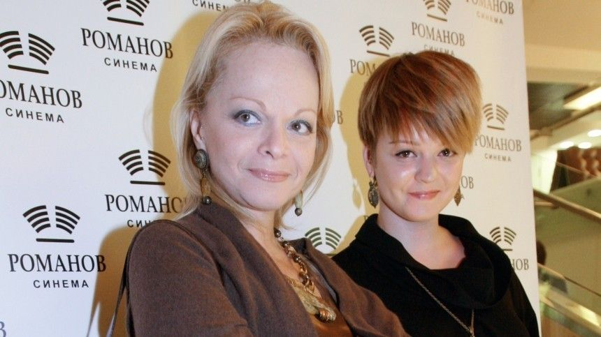 «Явшоке была»: Дочь Долиной отреагировала наскандал матери сВалей Карнавал