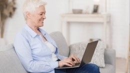 «Бабушка онлайн»: Служившие наБайконуре ветераны пообщались спенсионерами всети