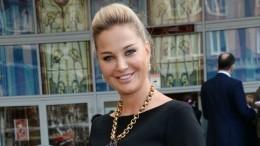 «Она чужая тетка»: Миро рассказала, кто насамом деле является матерью детей Максаковой