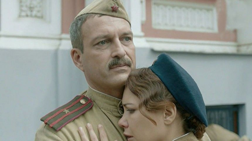 Звезда сериала «Позаконам военного времени» отреагировал наслухи оромане сКлимовой