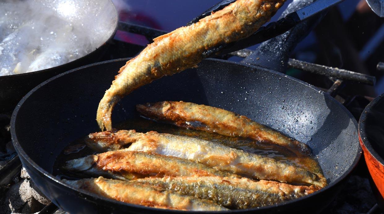 Два простых рецепта приготовления корюшки— главного петербургского блюда весны