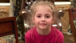 Лиза Галкина исполнила «Миллион алых роз» надне рождения Пугачевой— видео