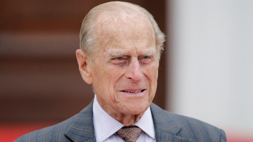 Единственная неизкоролевской семьи: Что известно обэкс-фаворитке принца Филиппа, приглашенной наего похороны