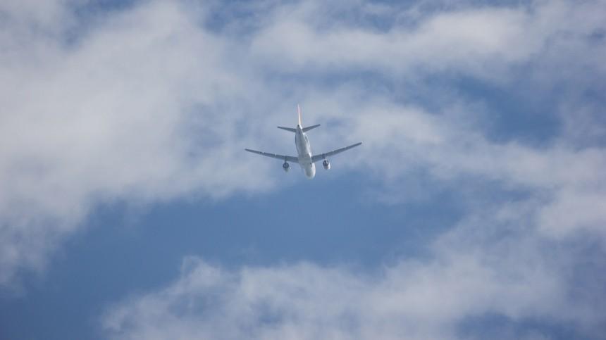 Самолет изВолгограда аварийно сел вмосковском «Шереметьево»