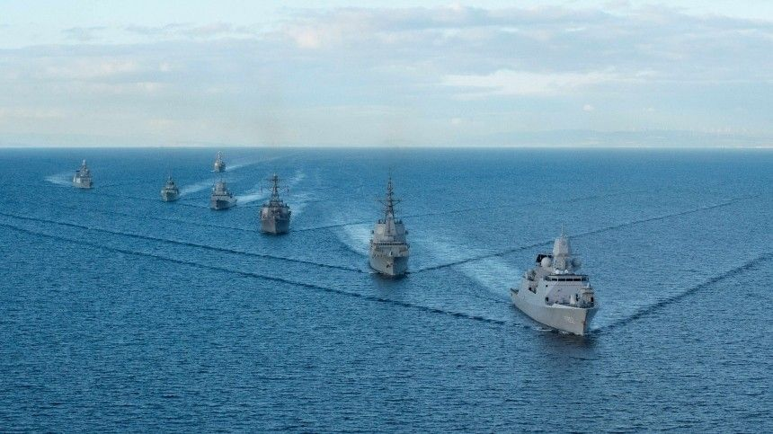 Британия направит два боевых корабля вЧерное море взнак поддержки Украины