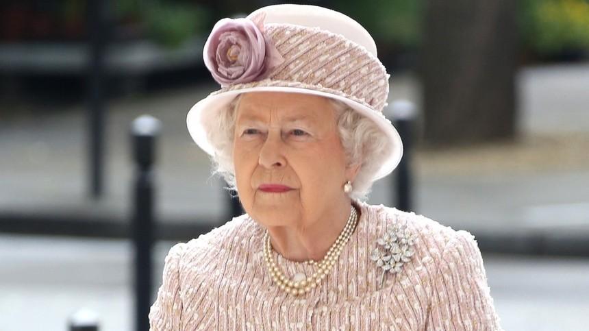 Напохоронах принца Филиппа увидели признак скорого ухода Елизаветы II