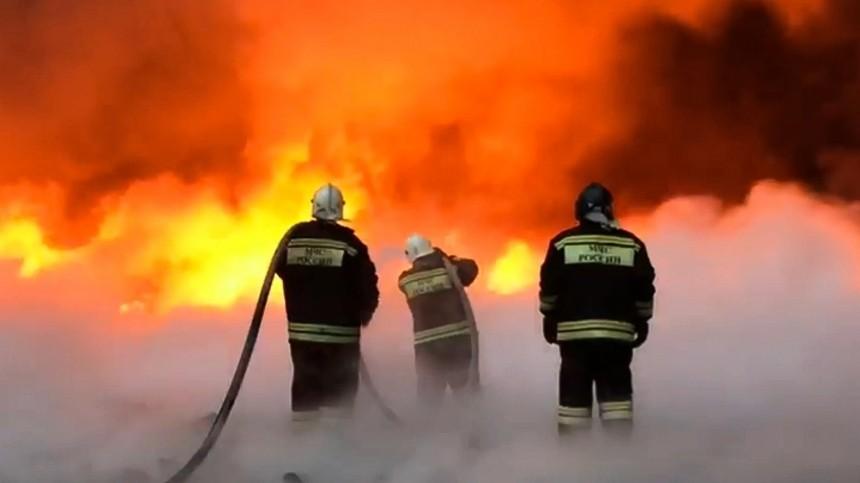 Крупный пожар наскладе сГСМ ликвидировали вУлан-Удэ