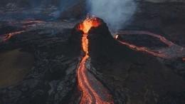 Видео: рок-группа сняла клип про огненную любовь нафоне извергающегося вулкана