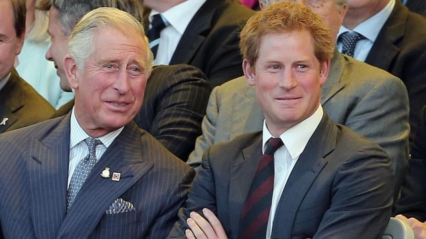 «Загранью стыда»: британцы возмущены примирительным письмом принца Гарри котцу