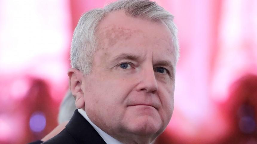 Взяв три чемодана, посол США покинул резиденцию вМоскве
