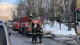 Пожар вквартире наюге Петербурга перебросился надругие этажи