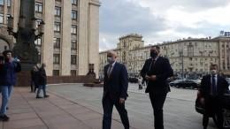 Сроки истекли: посол Чехии прибыл вМИД для «конкретного разговора»