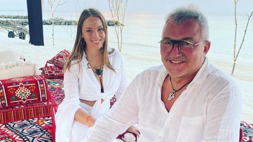 «Такого, как я, нет»: почему Дибров отпускает жену навстречи кдругим мужчинам?