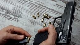 ВКазахстане вооруженный мужчина забаррикадировался ввысотке иоткрыл огонь