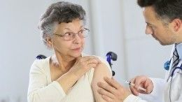 ВМоскве прививки откоронавируса сделали около 400 тысяч пенсионеров