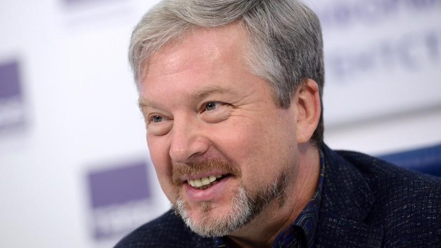 «Оставьте сомнения»: Пельш привил свою семью ипризвал россиян поступить также