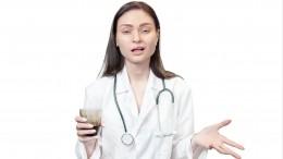 «Чтобы тысдохла»: москвичка сняла навидео издевательства над бабушкой вбольнице