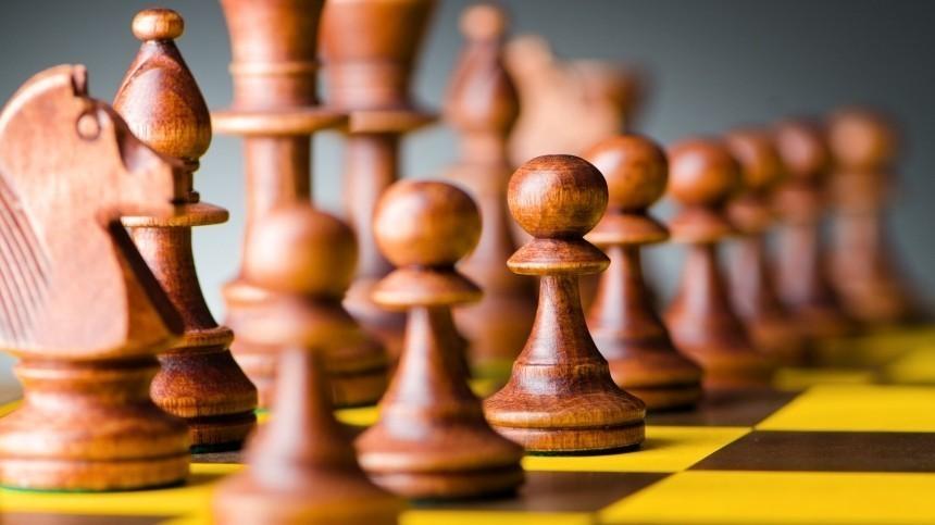 Российский шахматист Непомнящий досрочно выиграл турнир претендентов FIDE