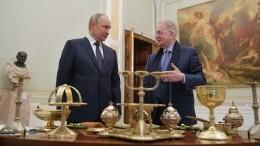 Эрмитаж выставит подаренные Путиным экспонаты после ихреставрации