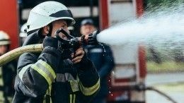 Под Красноярском полицейские спасли изгорящего дома многодетную семью