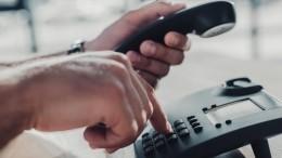 Опытный аферист показал полицейским мастер-класс помошенничеству— видео