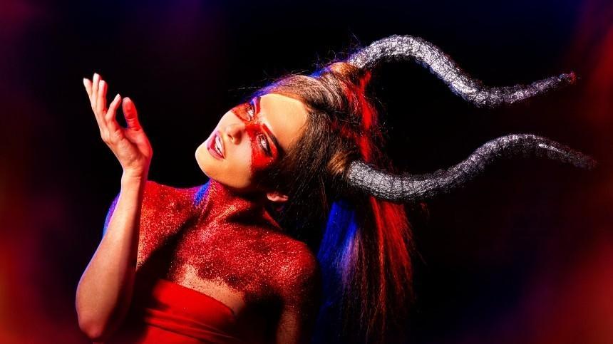 Она— ведьма! Женщины каких знаков зодиака обладают магическими способностями