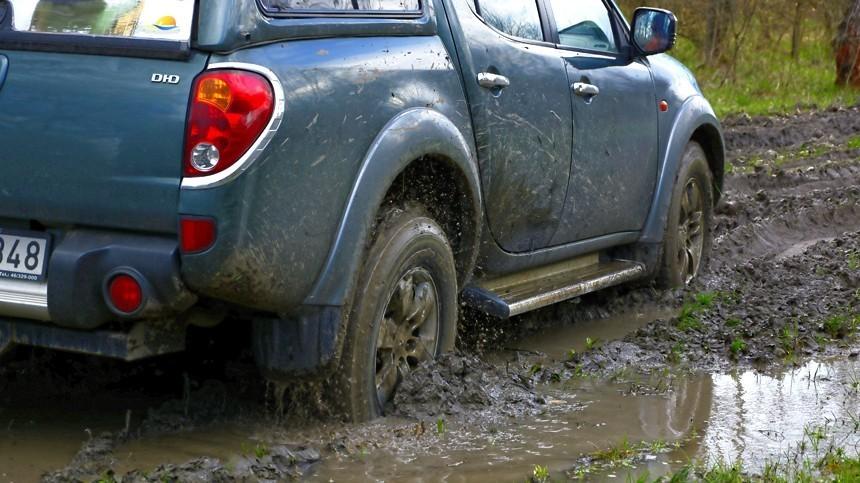 Как вытащить застрявшую вгрязи машину— ТОП-5 лайфхаков